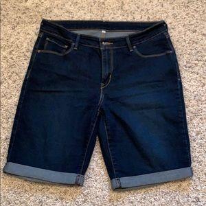 Levi bermuda shorts - size 31